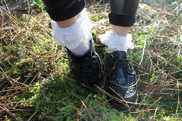creepers et chaussettes froufrous
