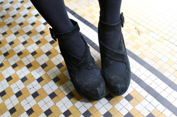 chaussures compensée à boucle cheville