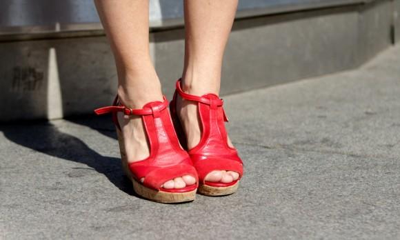 sandales rouges bash pour andré