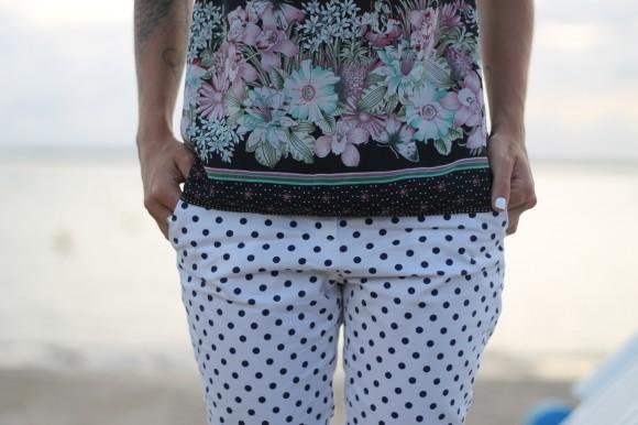 pantalon blanc et pois