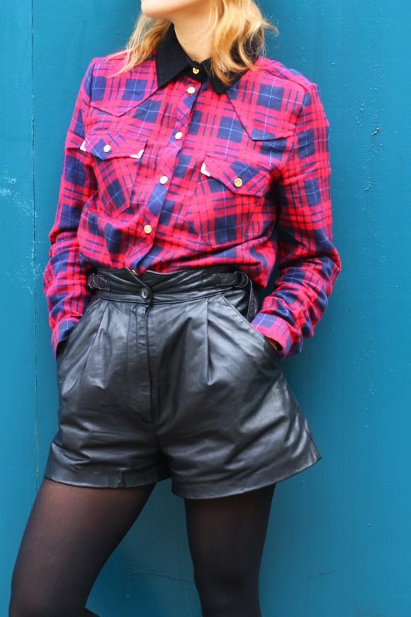 chemise tartan et short en cuir