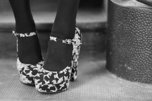 chaussures à talons imprimé fleuri