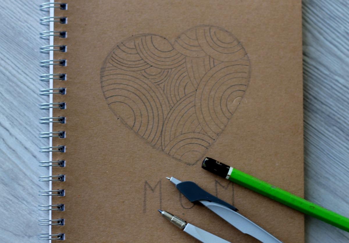 3 DIY le carnet brodé - etape 1 faire son dessin