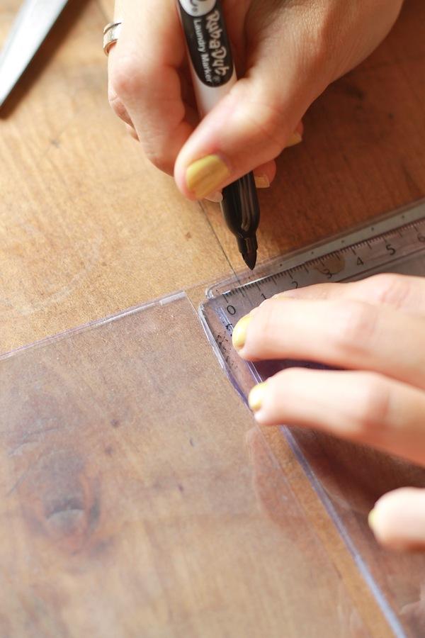 DIY Pochette transparente Etape 3 Coudre la pochette 1:2