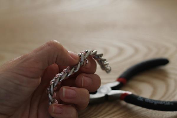 diy bracelet pompon