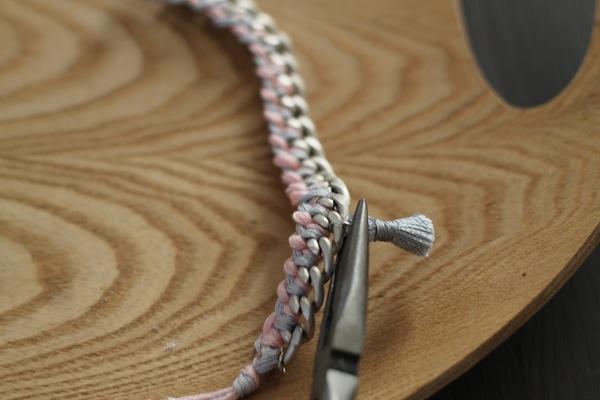 diy bracelet pompons