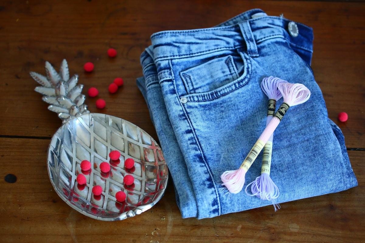 diy pantalon à pompons matériel