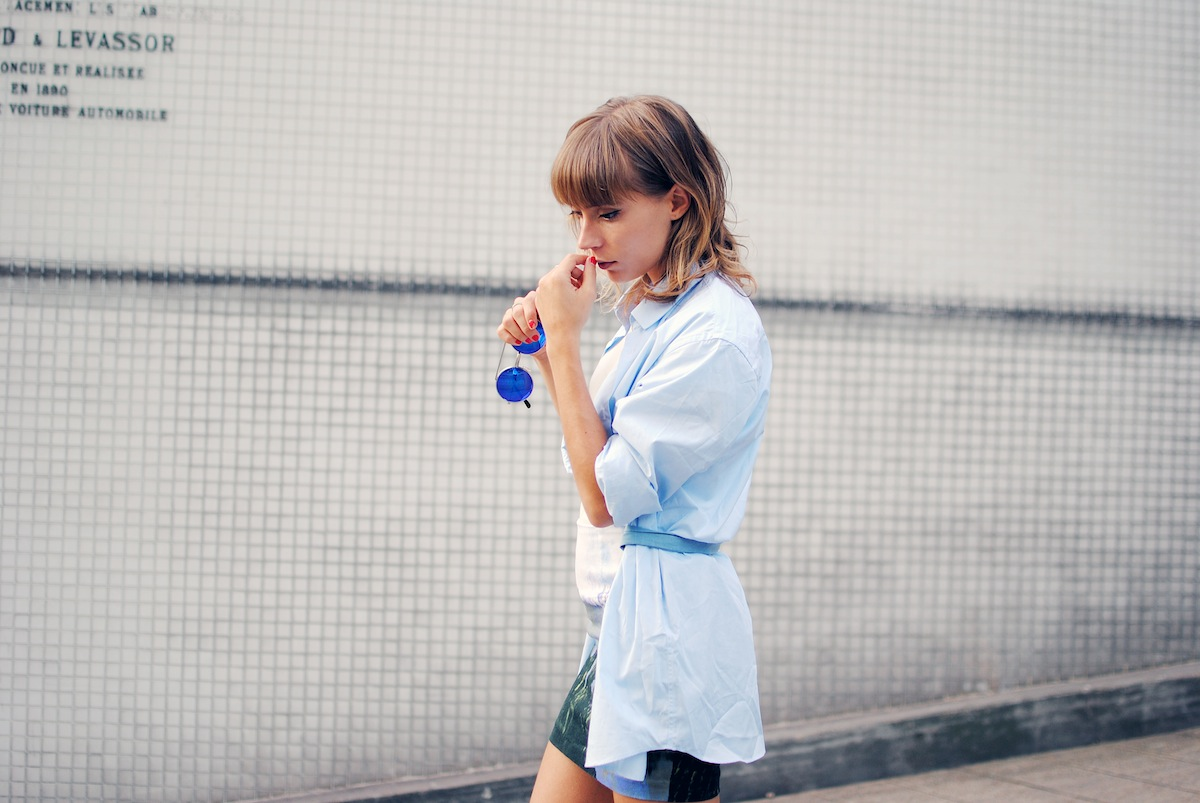 look chemise d'homme bleu clair