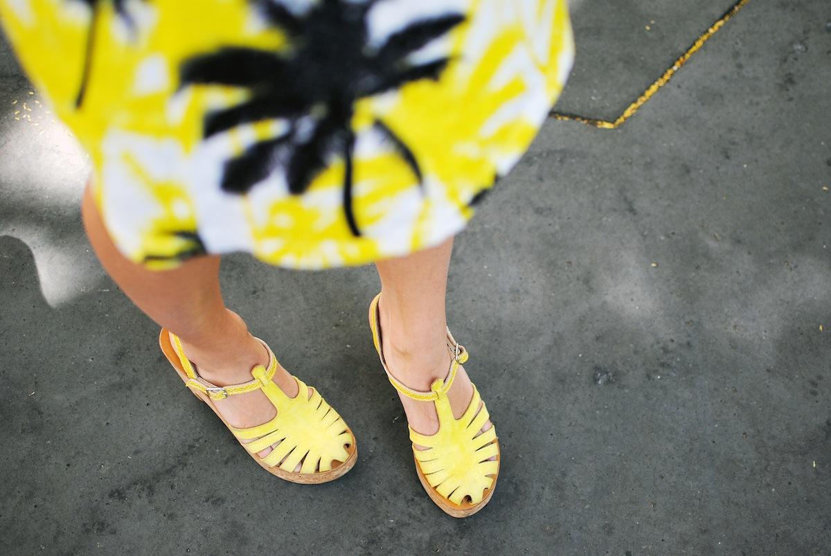 sandales jaunes en cuir