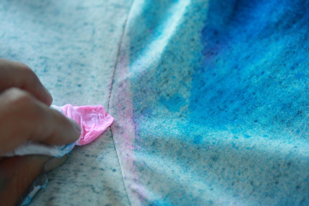 diy tie dye rose et bleu