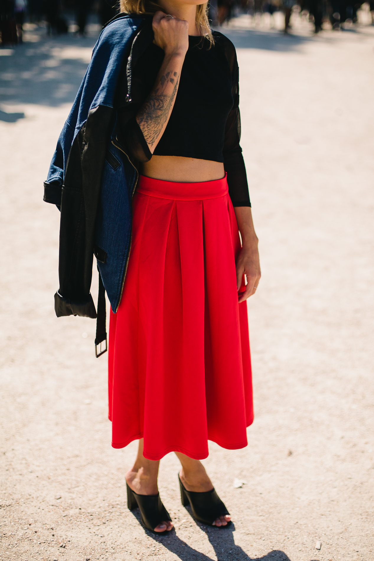 jupe rouge midi