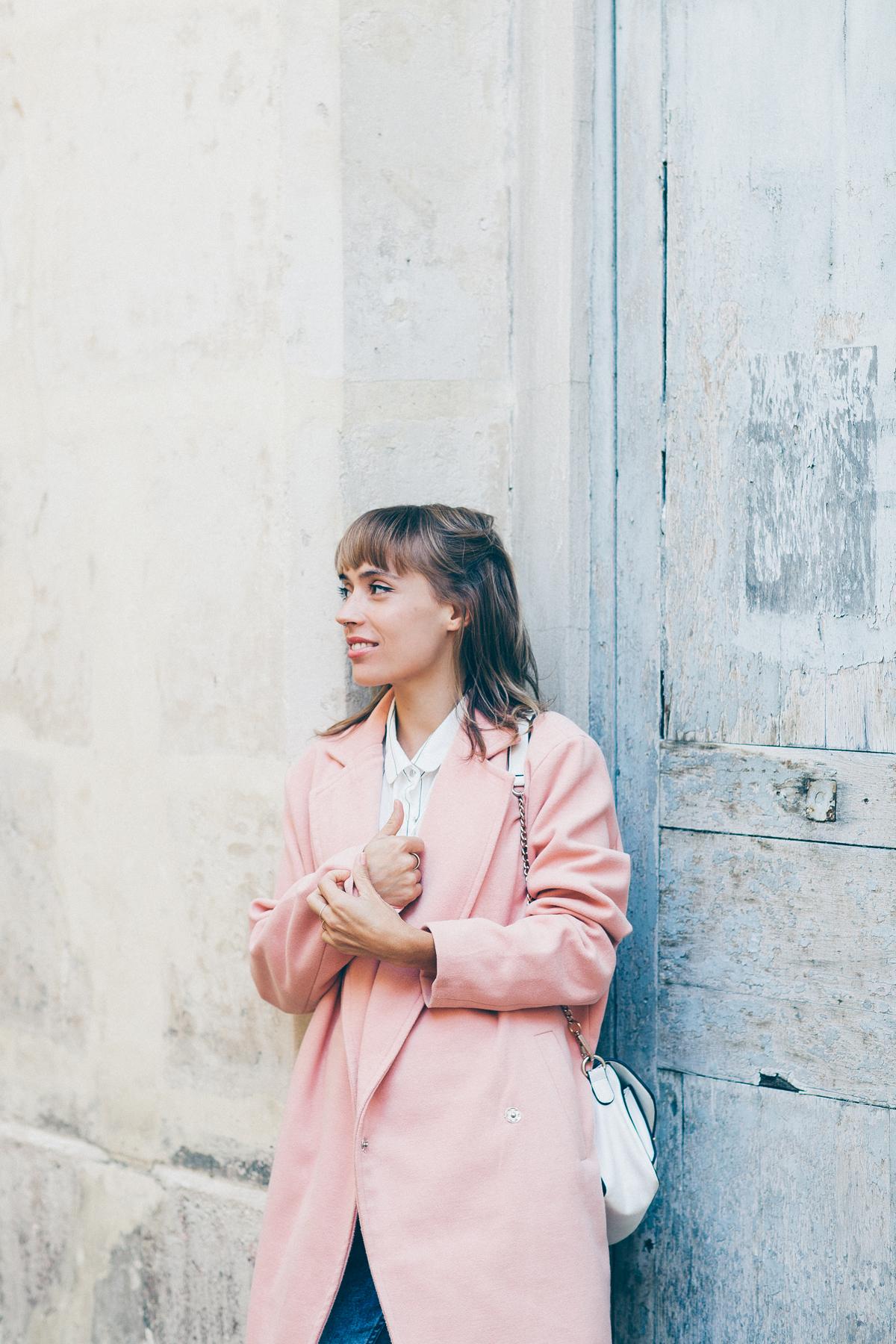 look manteau rose pastel