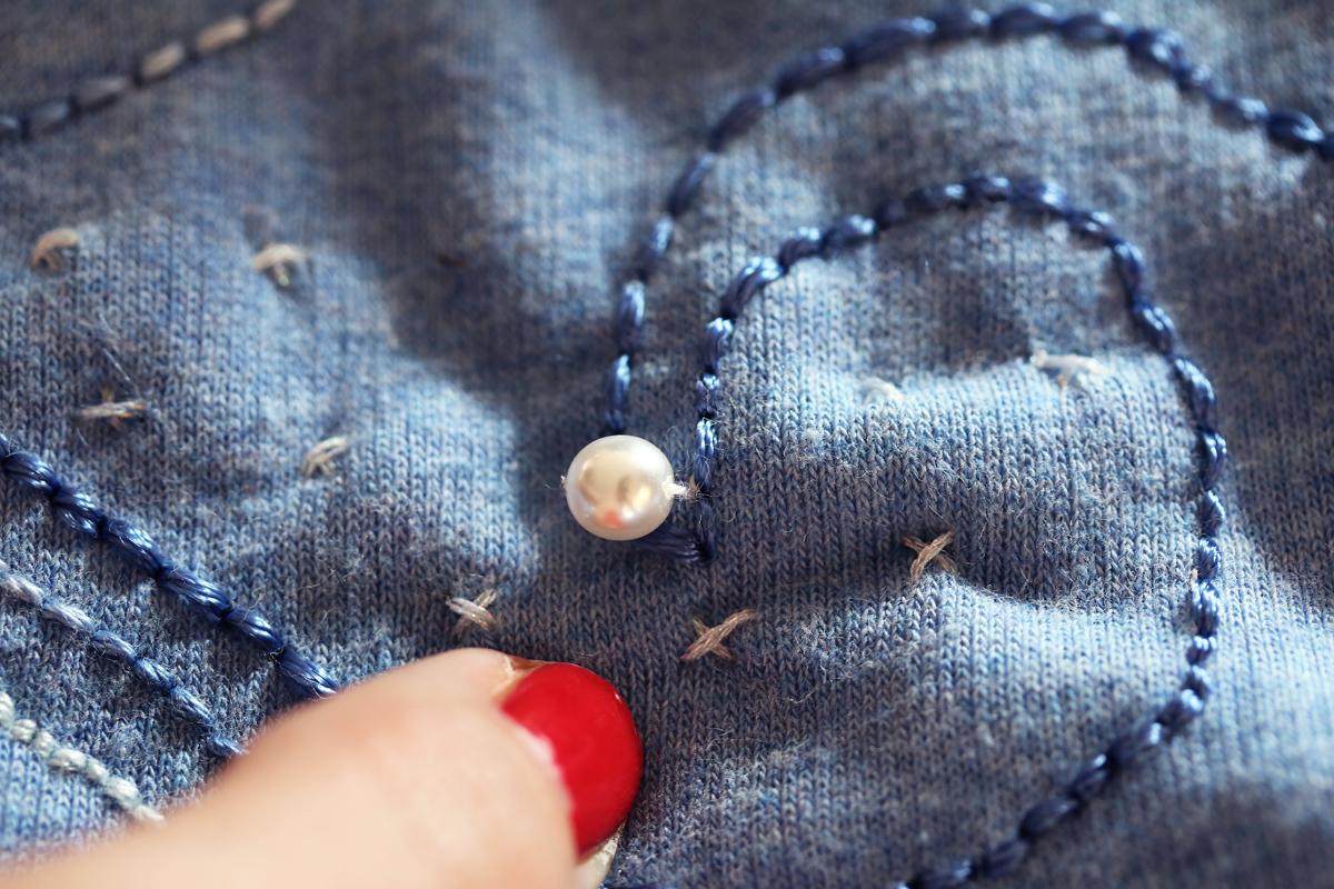 DIY Sweat bijou avec perles nacrées
