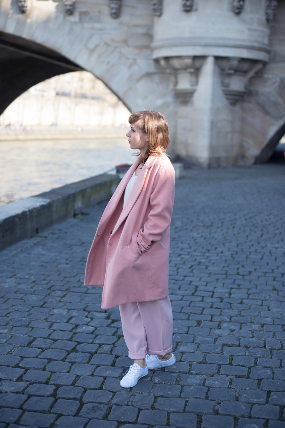 blog mode paris manteau rose et pull marie sixtine