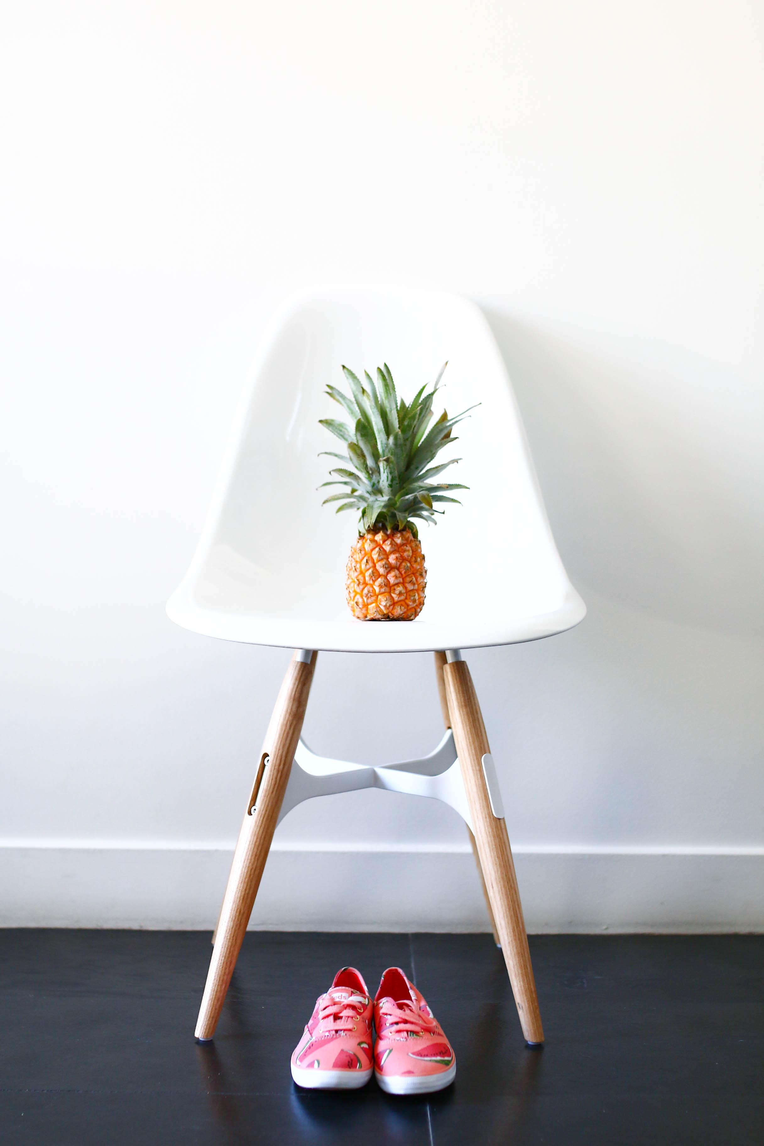 hotel 1K chaise design et ananas