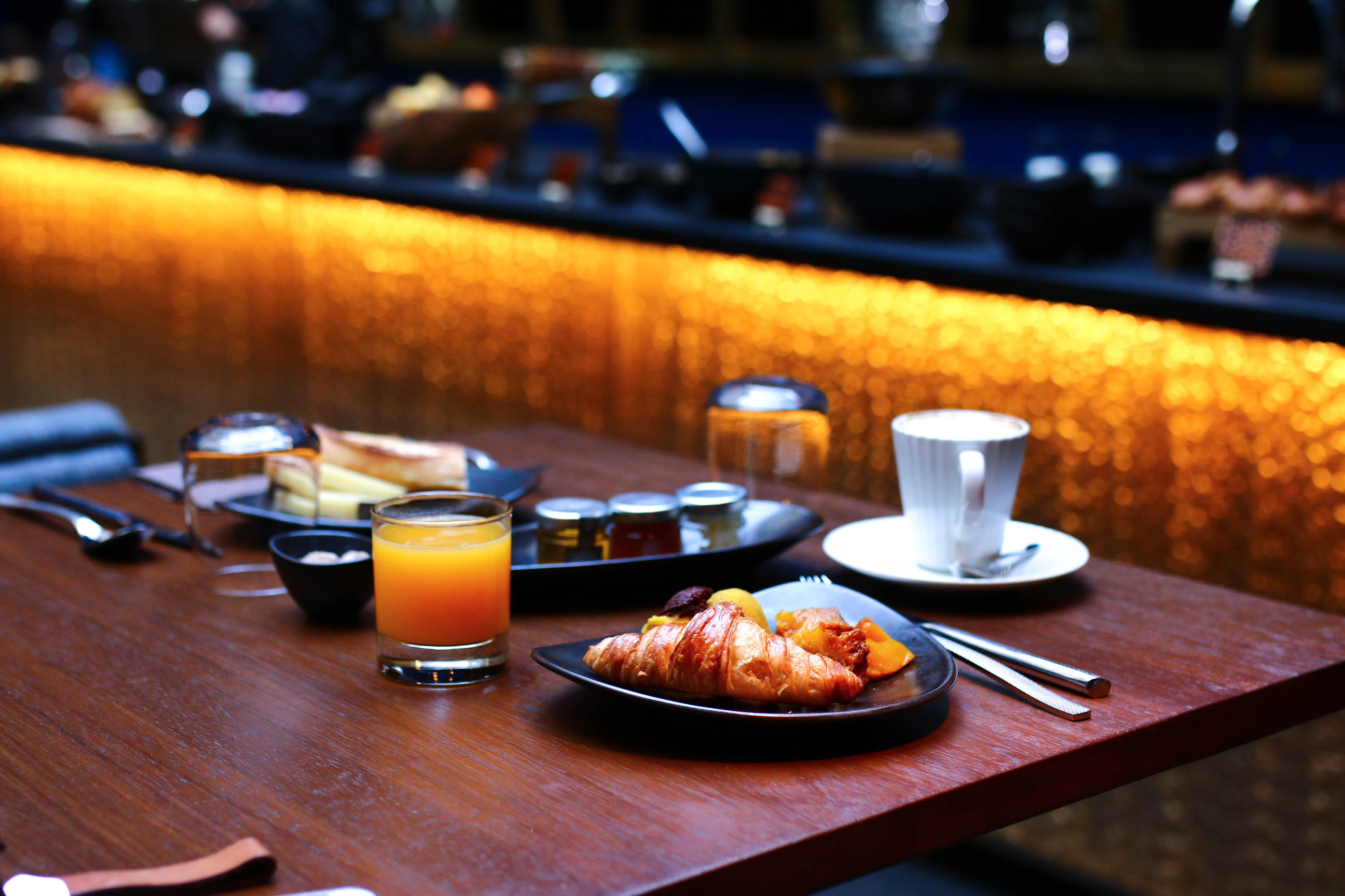 hotel 1K petit dejeuner