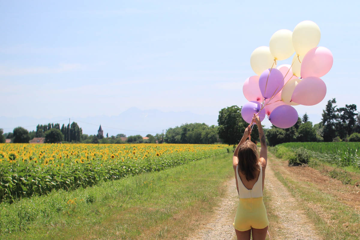 Balloons & sunflower with white and yellow playsuit | SP4NK BLOG-6
