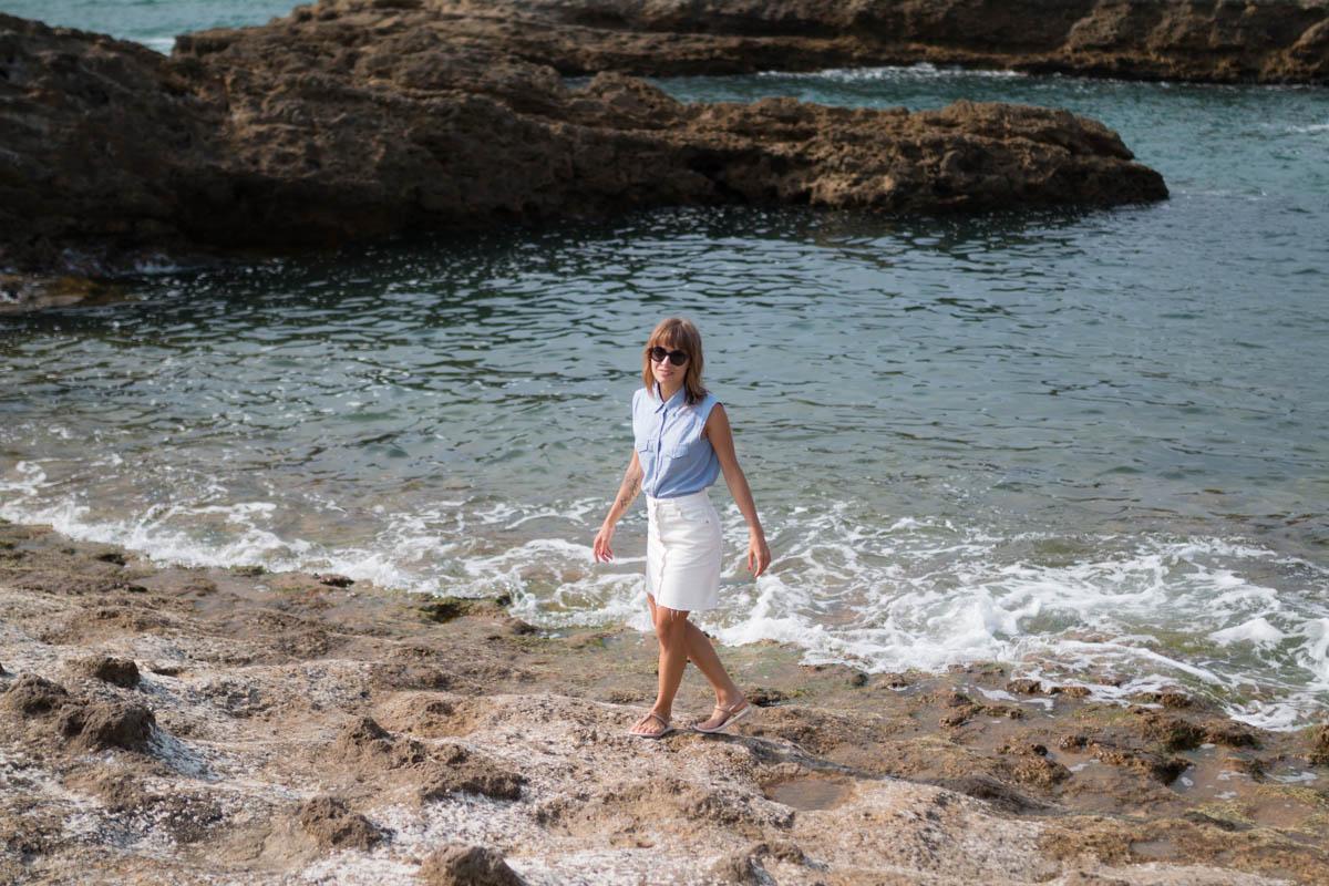 Chemise rayée et jupe trapéze blanche en denim summer time in biarritz | SP4NK BLOG-23
