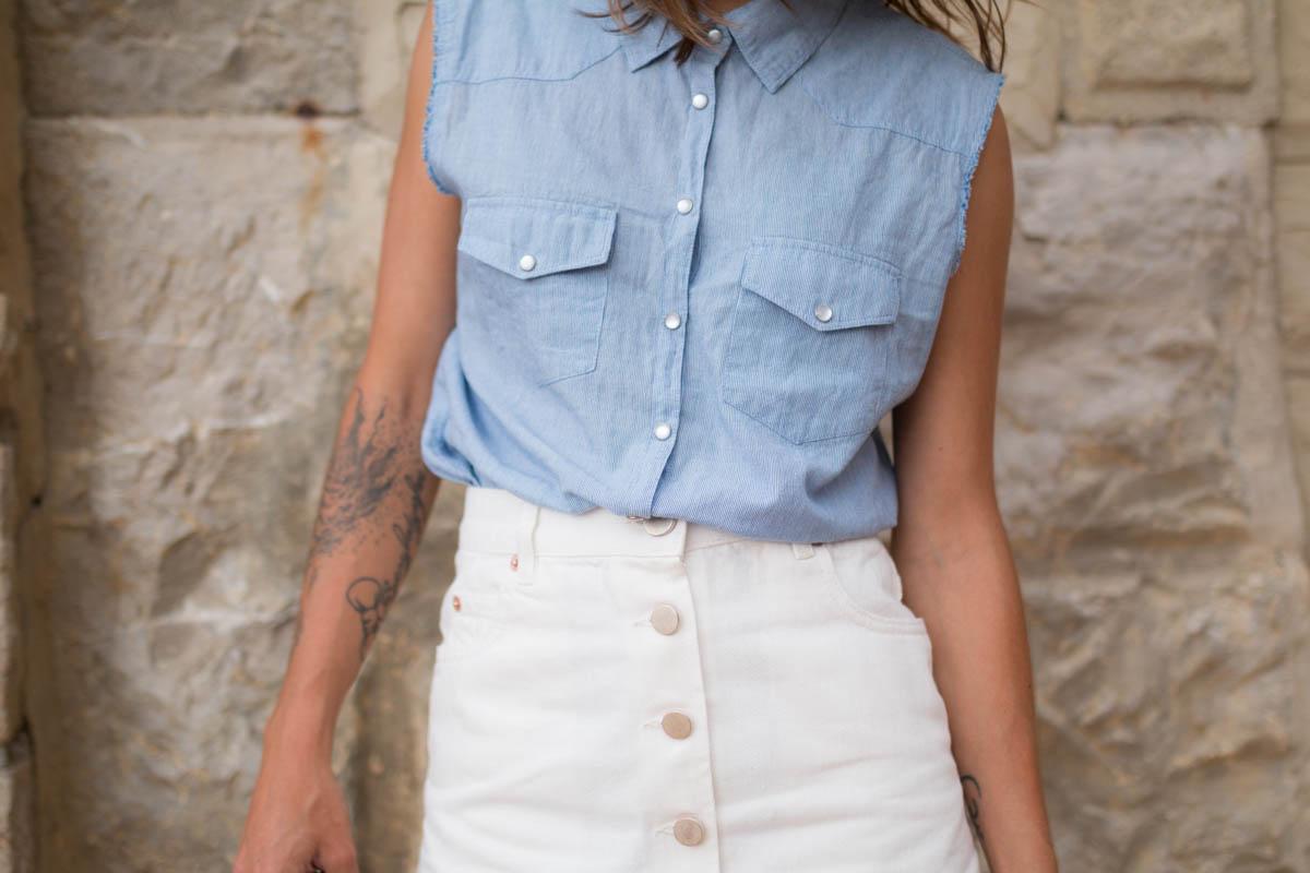 Chemise rayée et jupe trapéze blanche en denim summer time in biarritz | SP4NK BLOG-44