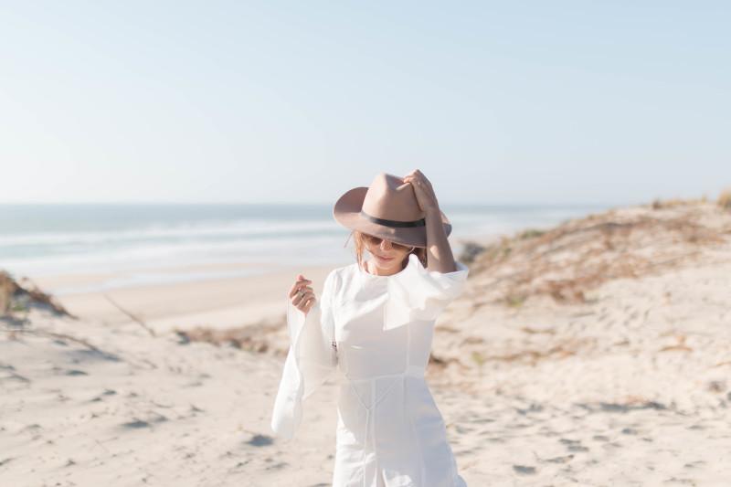 Combinaison blanche 70's et chapeau | SP4NK BLOG