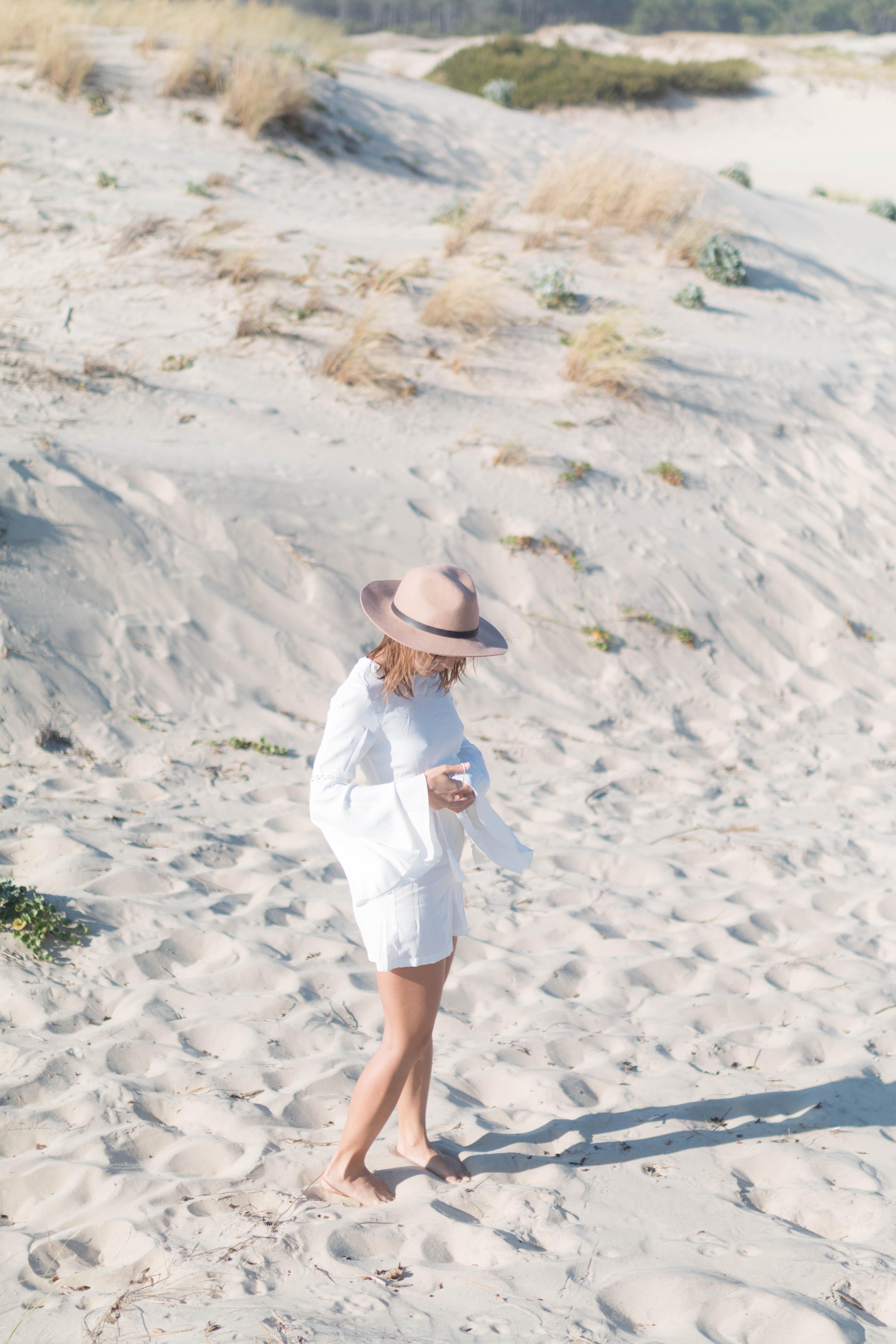 Combinaison blanche et chapeau camel | SP4NK BLOG