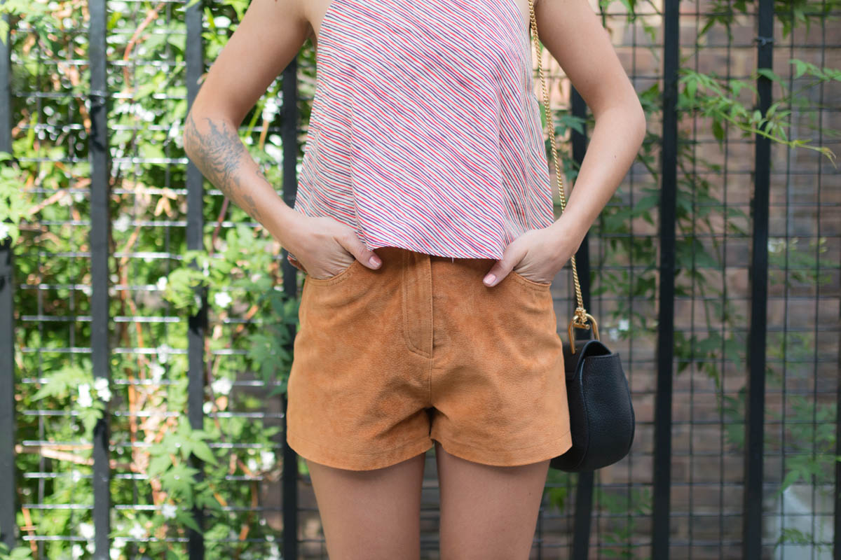 Short en daim camel et top rayé | SP4NK BLOG
