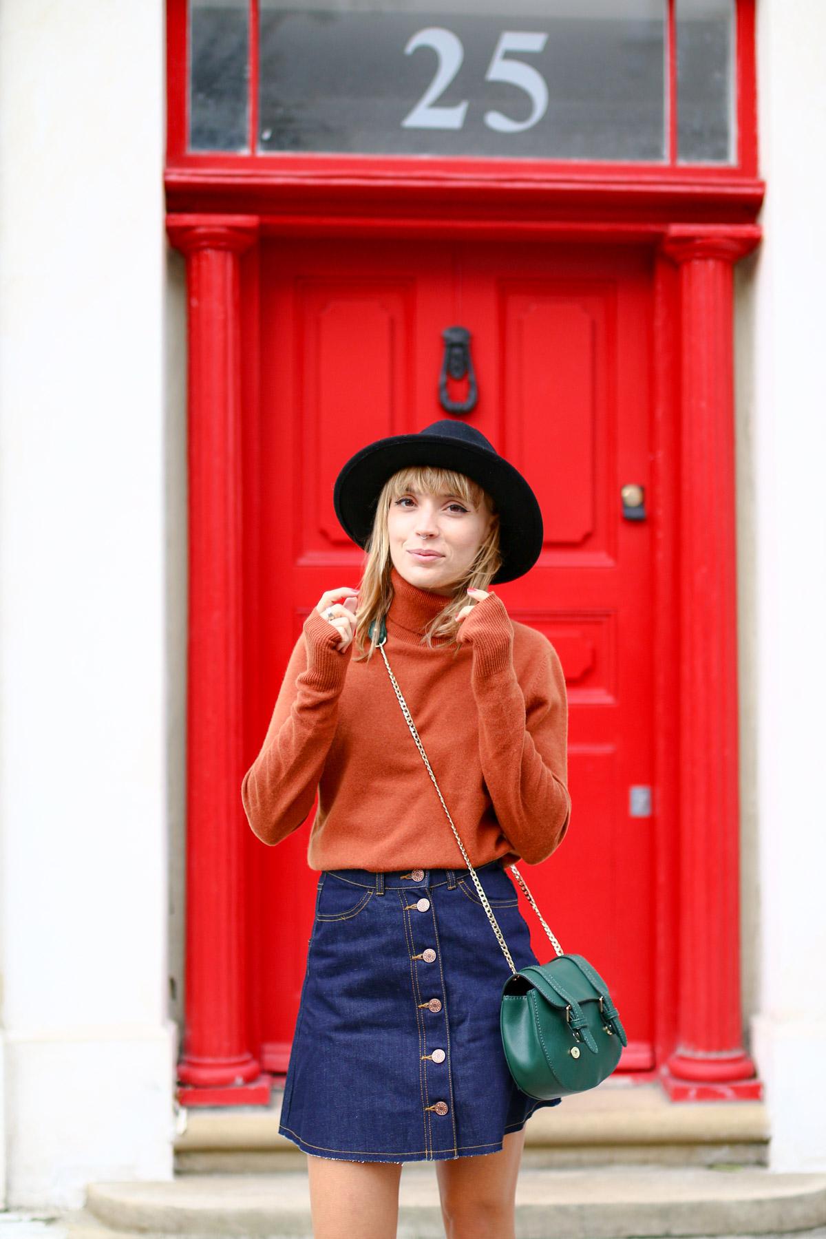 Col roulé en maille et jupe trapèze en jean brut I Sp4nkblog-12