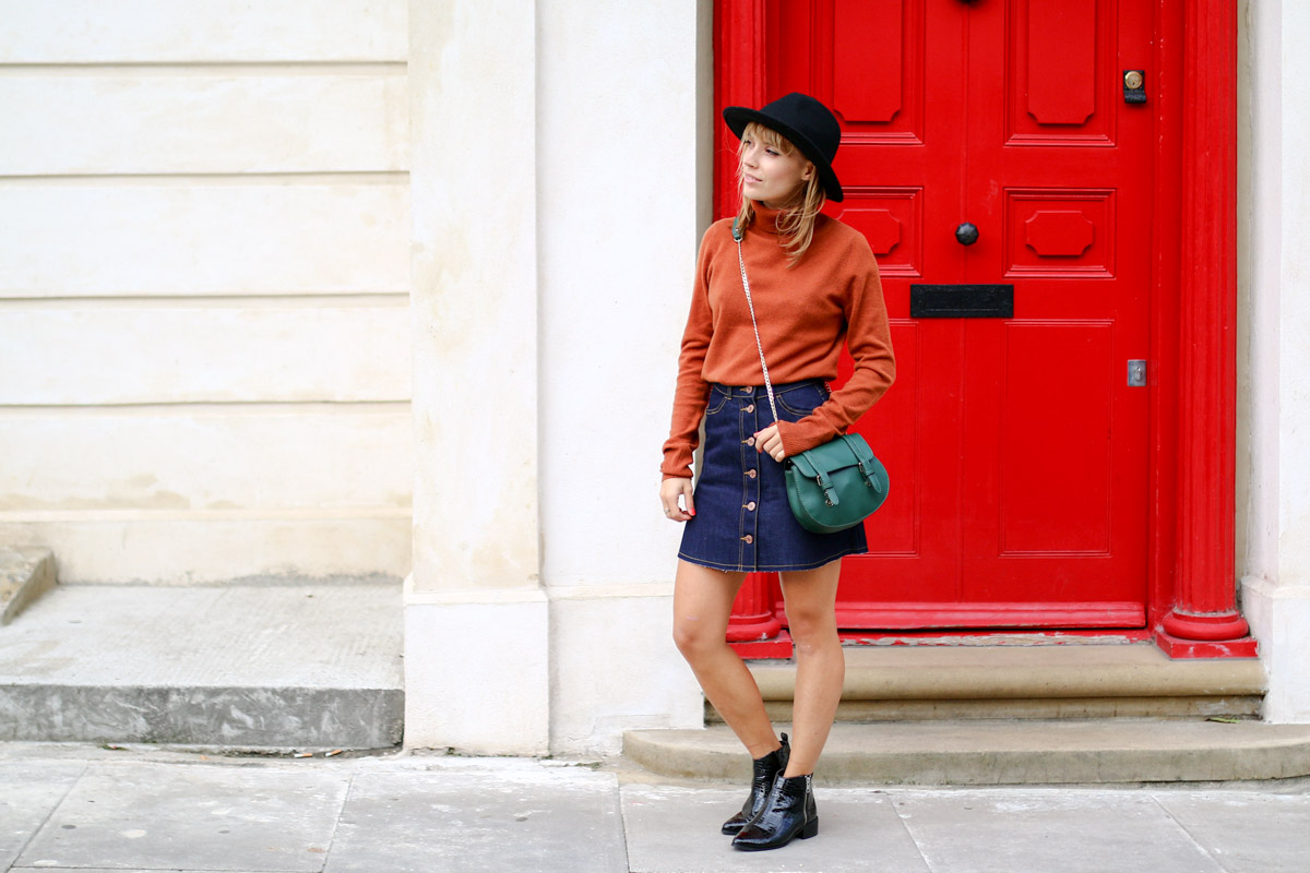 Col roulé en maille et jupe trapèze en jean brut I Sp4nkblog