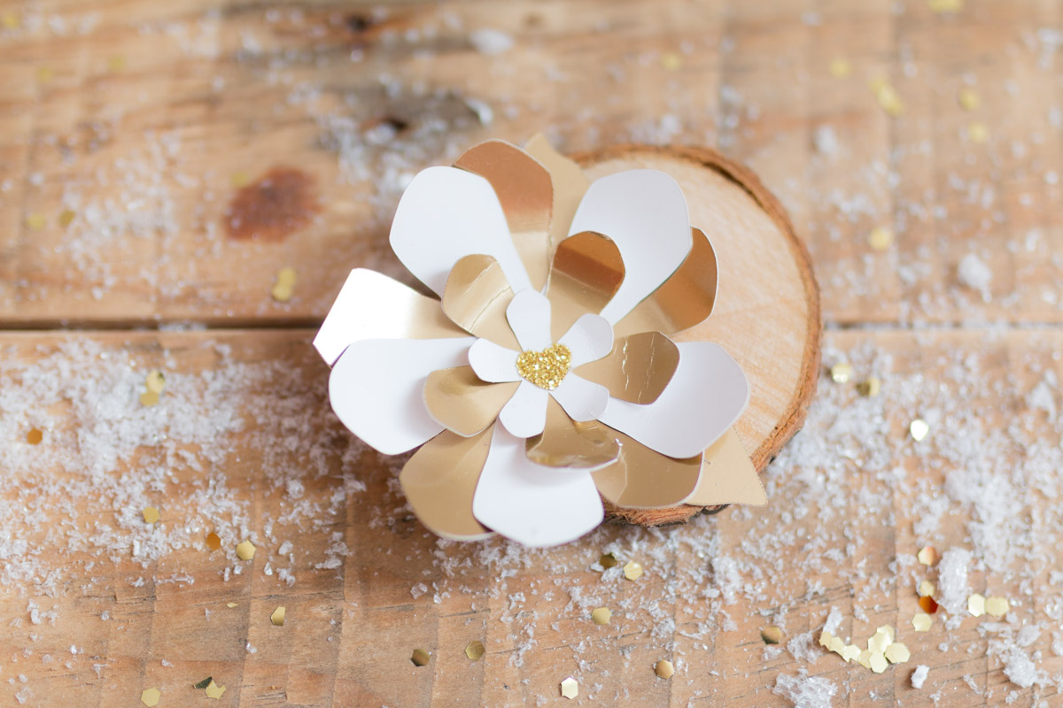 DIY fleur en papier doré  I Sp4nkblog