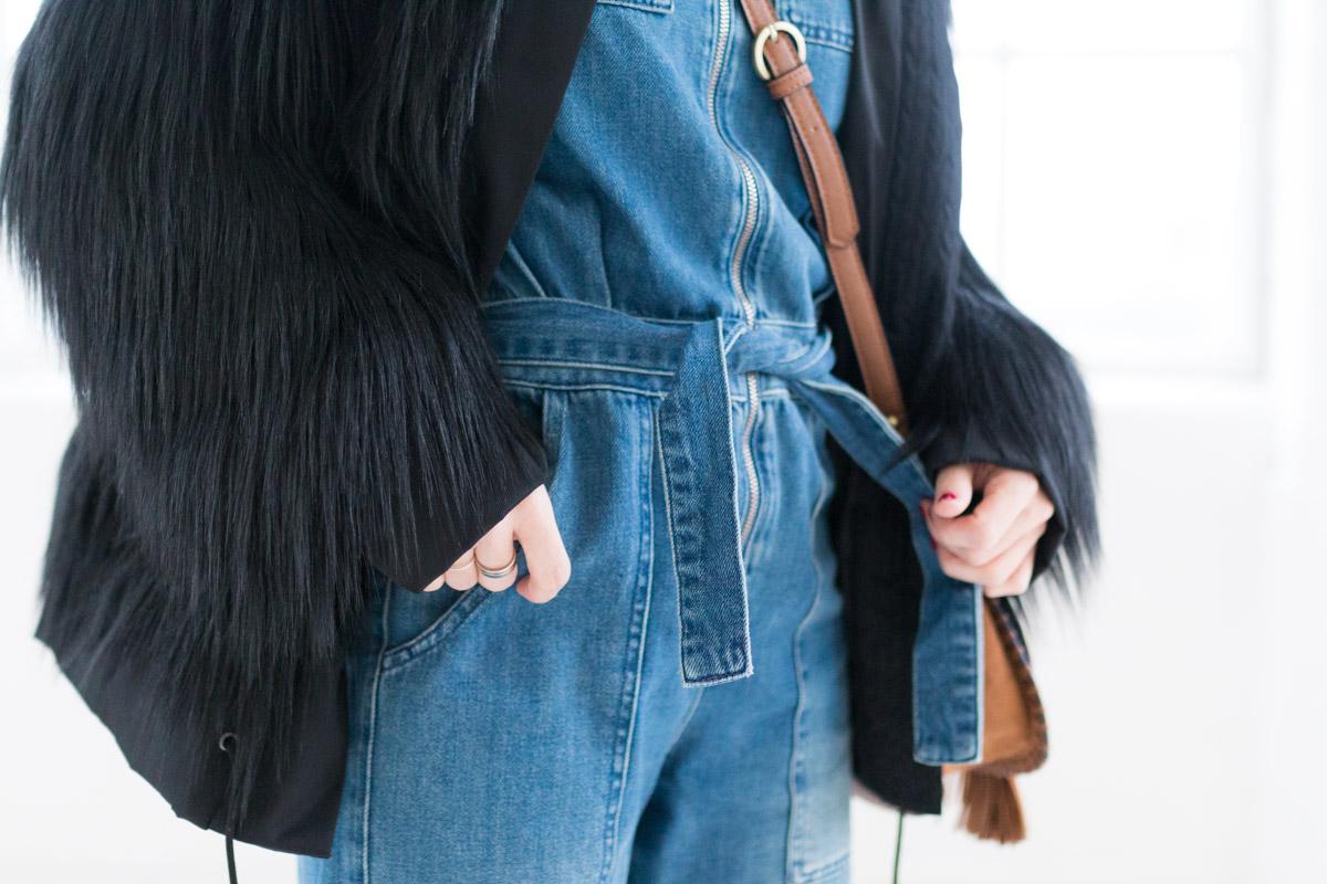 Combinaison en jean et manteau fausse fourrure I Sp4nkblog-6