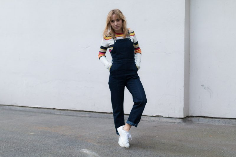 Salopette en jean pull raye et stan smith I Sp4nkblog