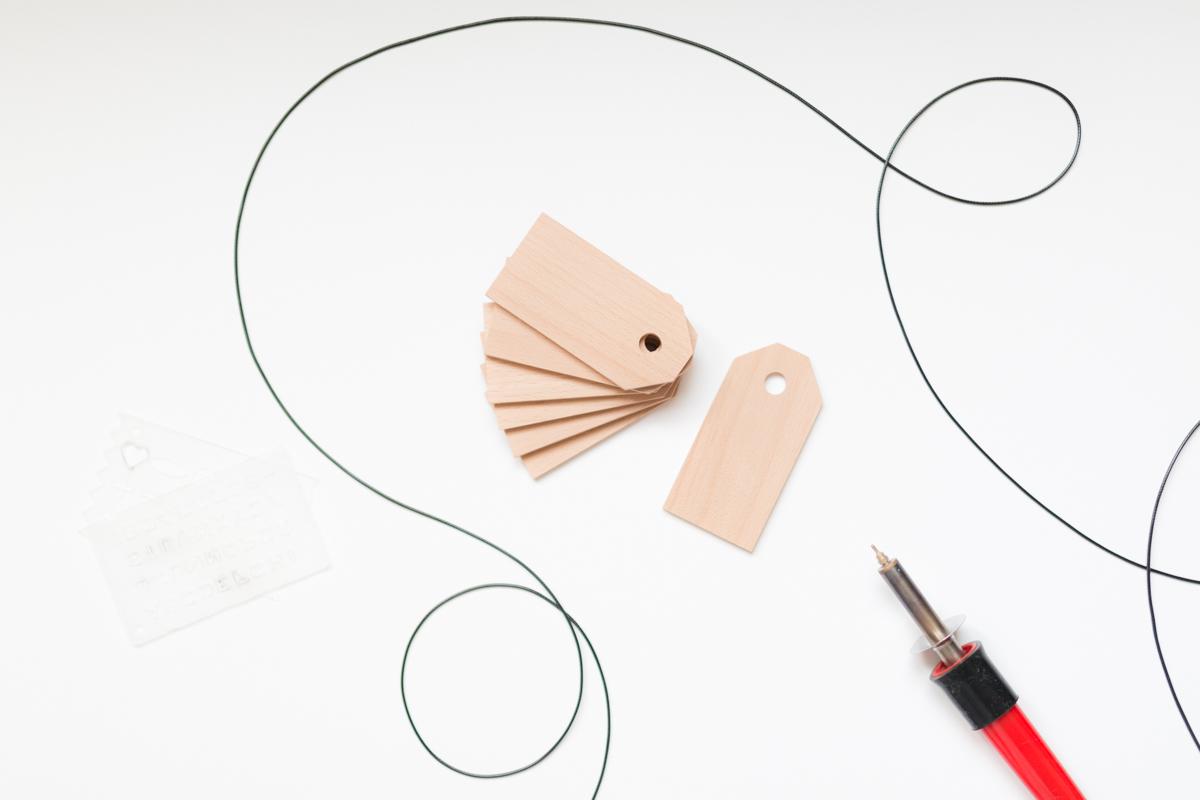 Etiquette en bois suitcase tag diy I Sp4nkblog-3