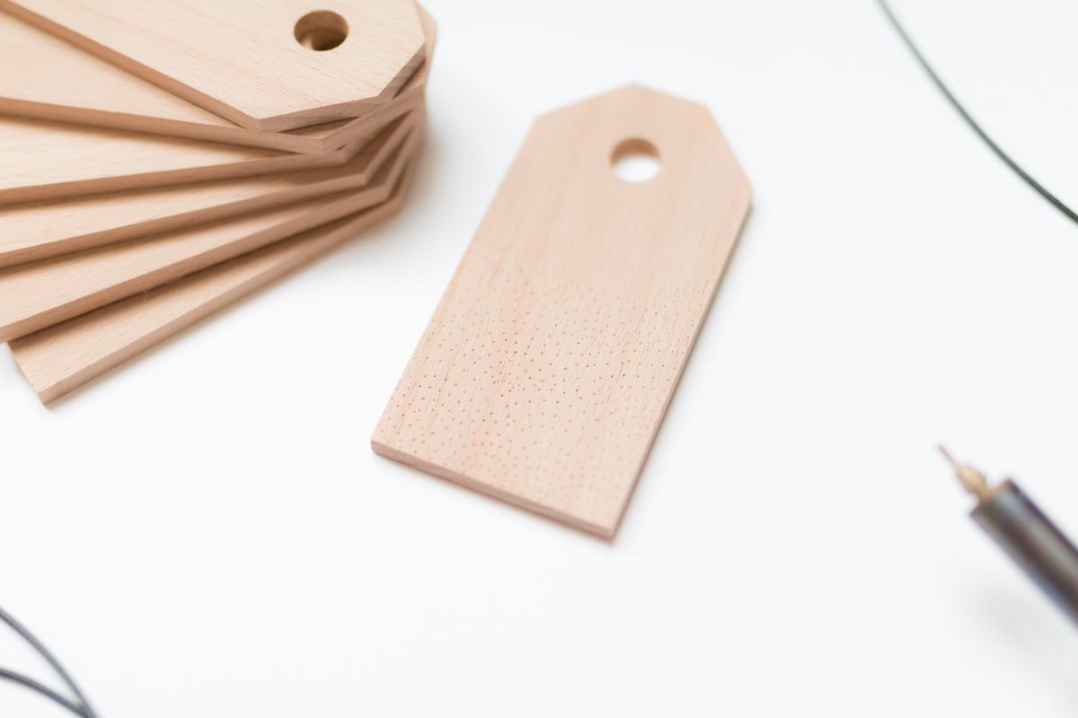 Etiquette en bois suitcase tag diy I Sp4nkblog-8