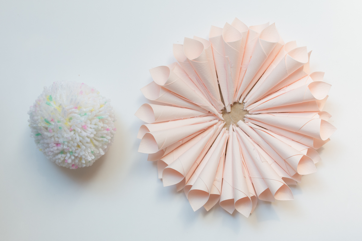 Paper flower and pompon diy I Sp4nkblog-18