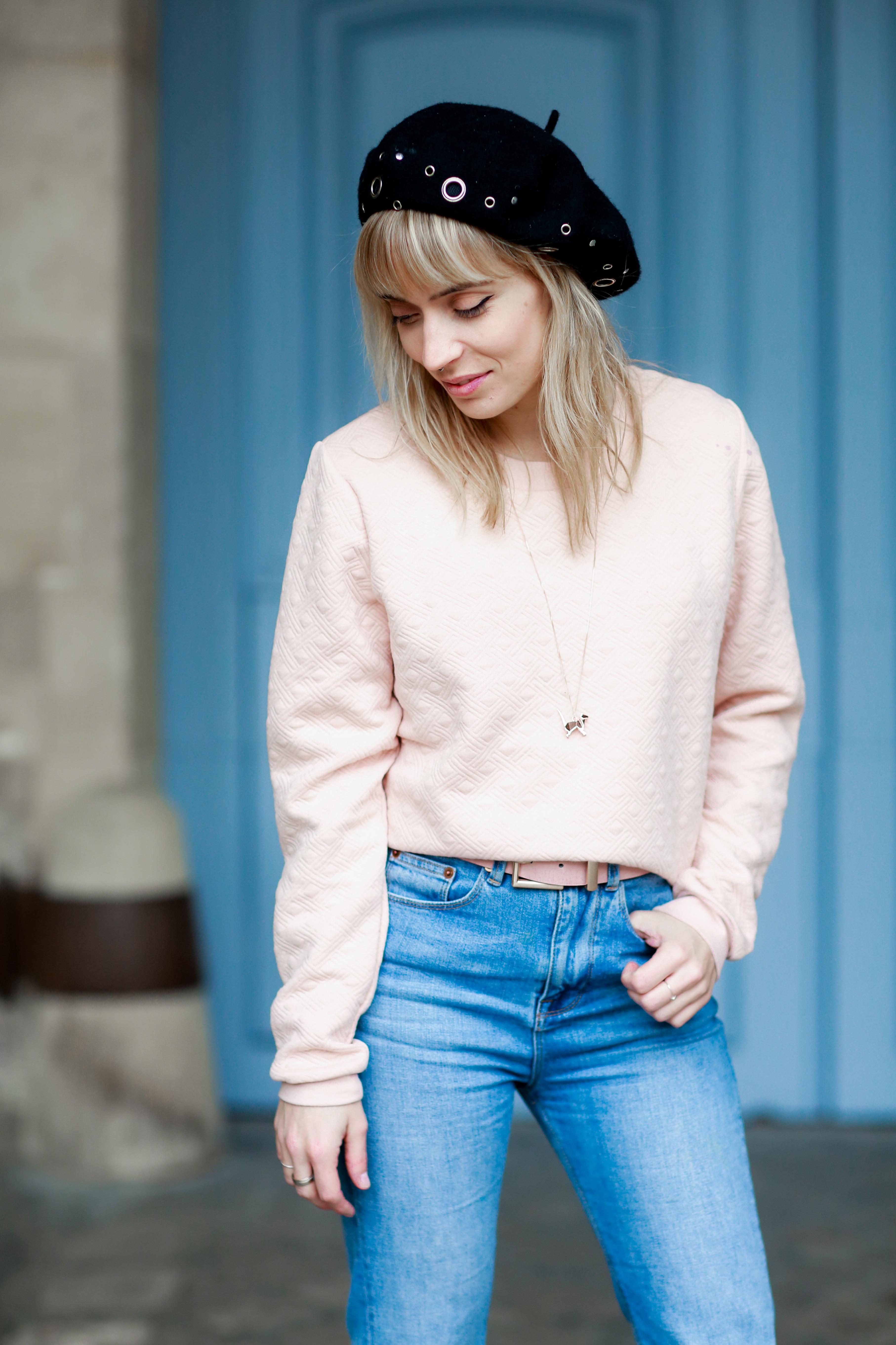 look 60's manteau à carreaux et jean flare 1