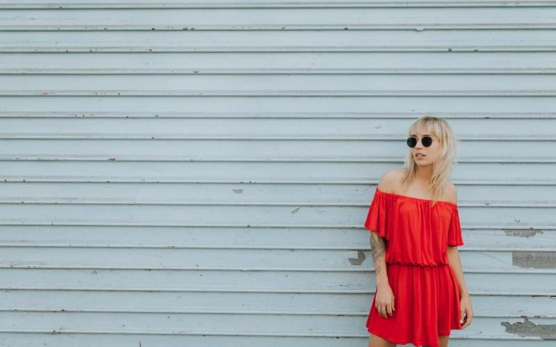 Robe rouge à épaules dénudées I Sp4nkblog par lyloutte