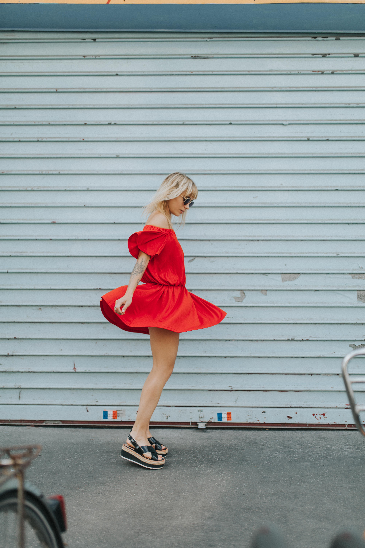 Robe rouge à épaules dénudées I Sp4nkblog par lyloutte 3