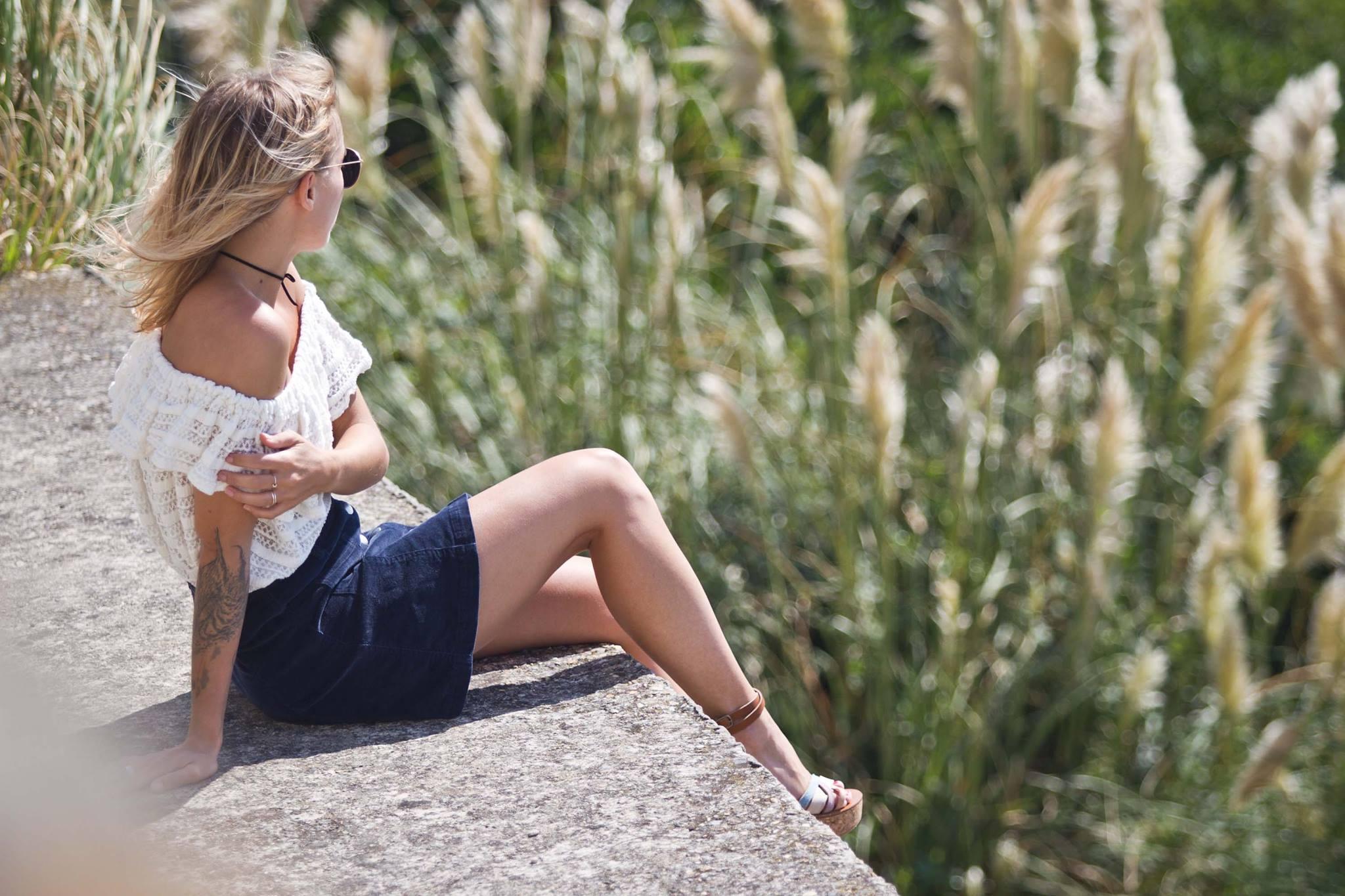 Top épaules dénudées jupe en velours et sandales Kjacques I Sp4nkblog 4
