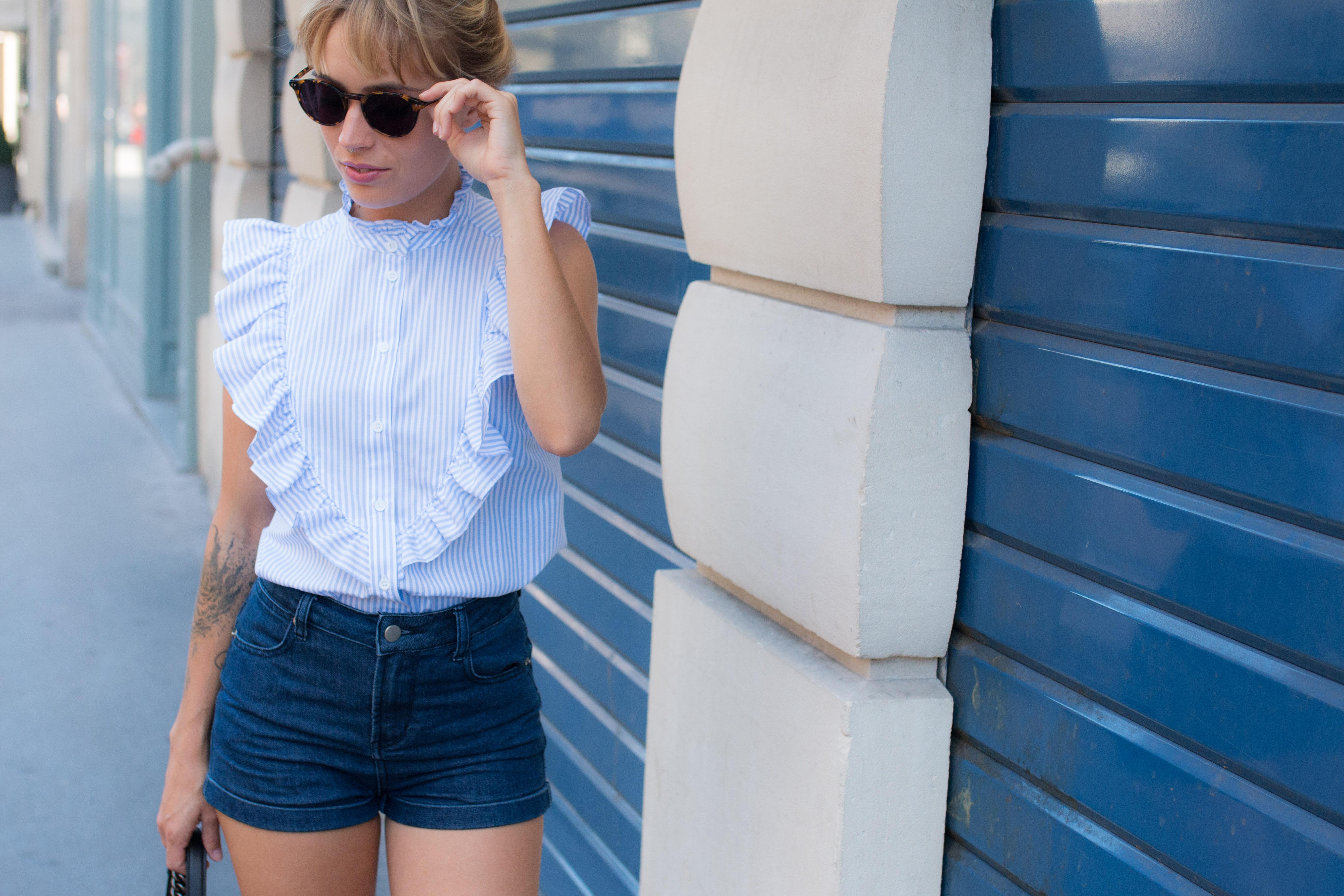 Top froufrou a rayures , short en jean et espadrille I Sp4nkblog-13