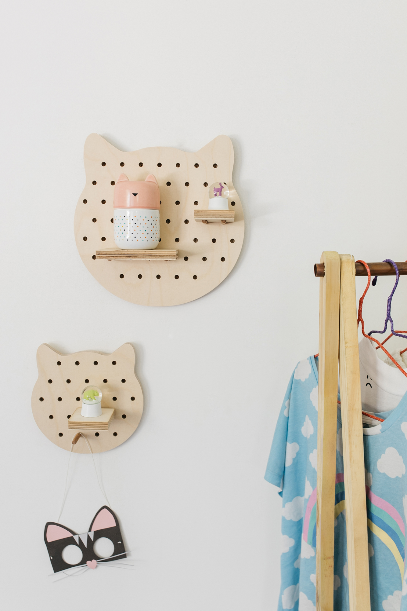 little-anana-pegboard-birchwood-panneau-perfore-bouleau-chat