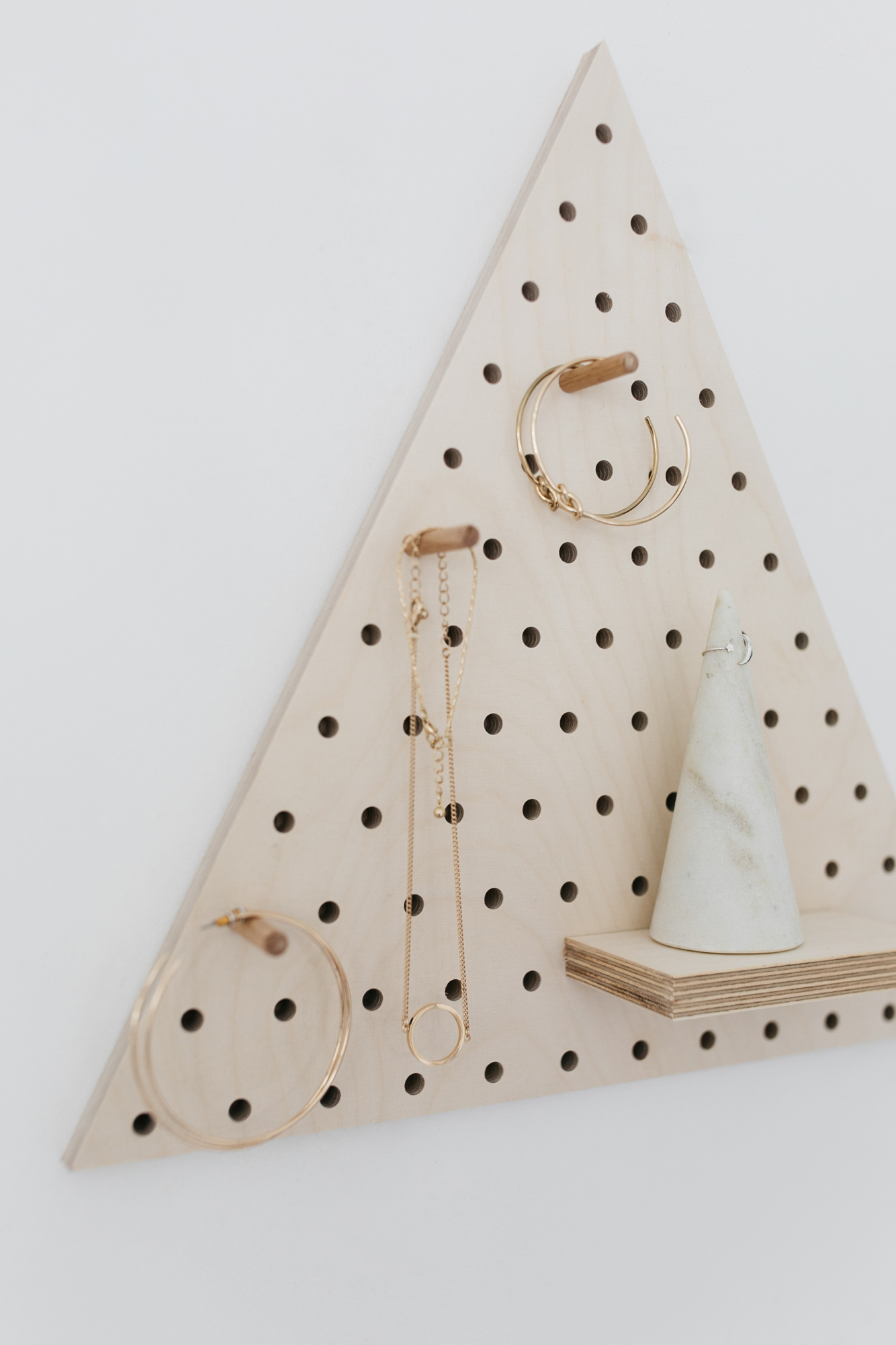 little-anana-pegboard-birchwood-panneau-perfore-bouleau-triangl