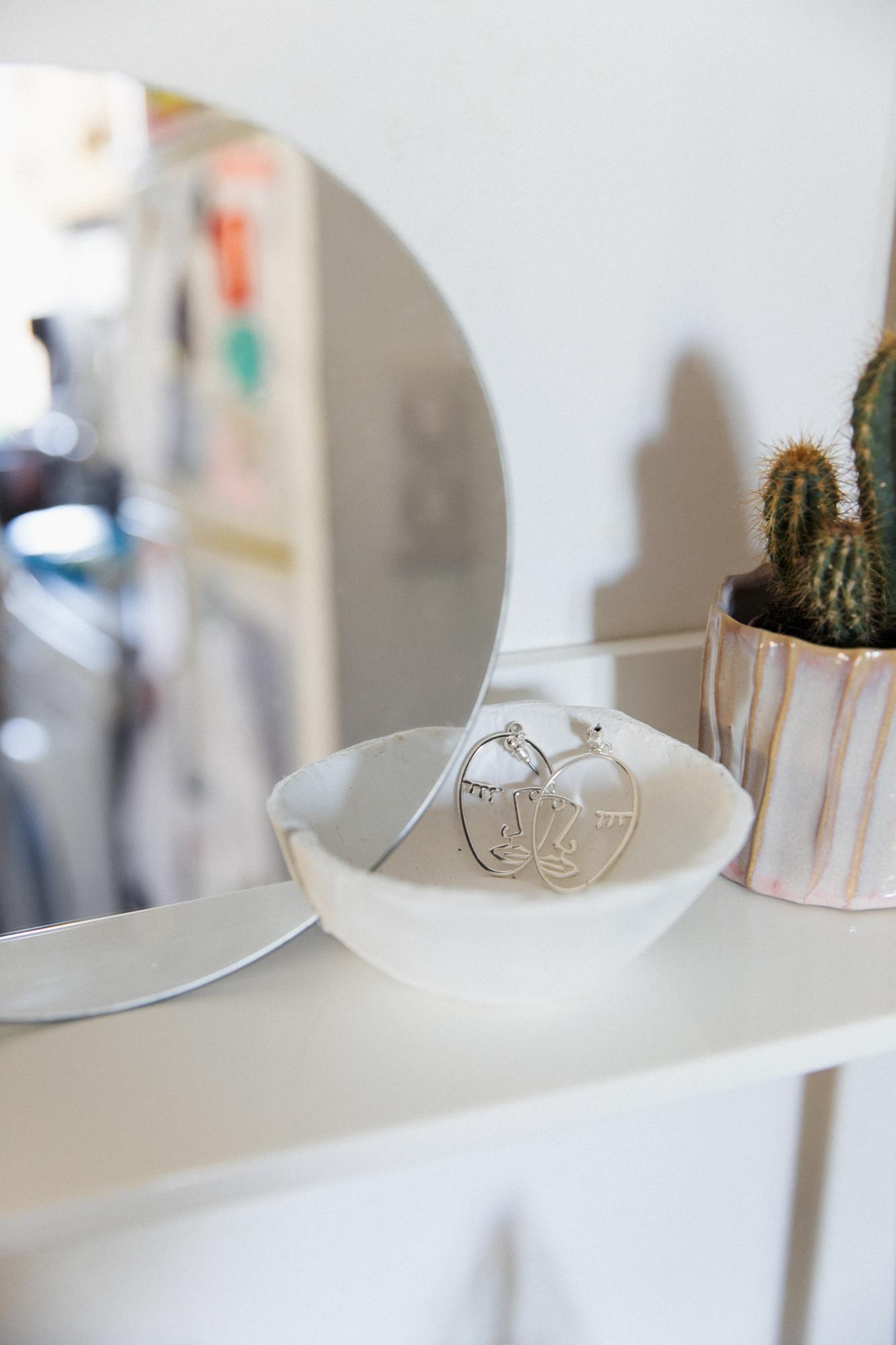 DIY miroir porte bijoux-mirror-jewelry-holder-11