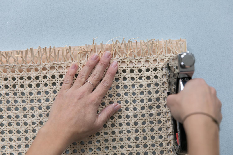 transformer-un-meuble-en bois-avec-la-tendance-cannage-diy-8