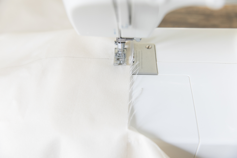 fabriquer une balancoire en tissu pour son bebe diy-7