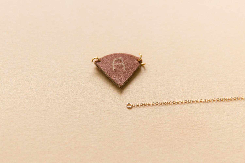 DIY bijou en cuir grave avec dremel-22