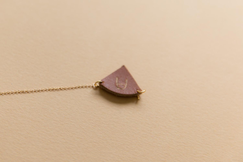 DIY bijou en cuir grave avec dremel-23