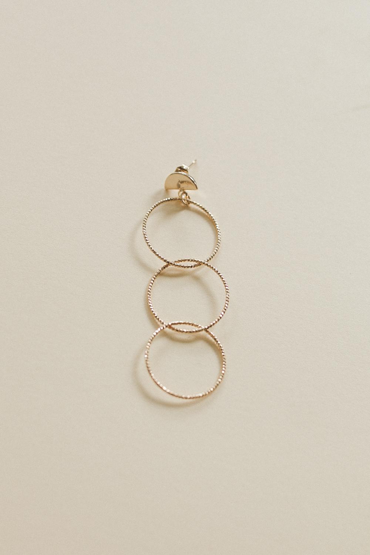 Diy bijou boucle oreille anneaux fins à faire soi meme-8