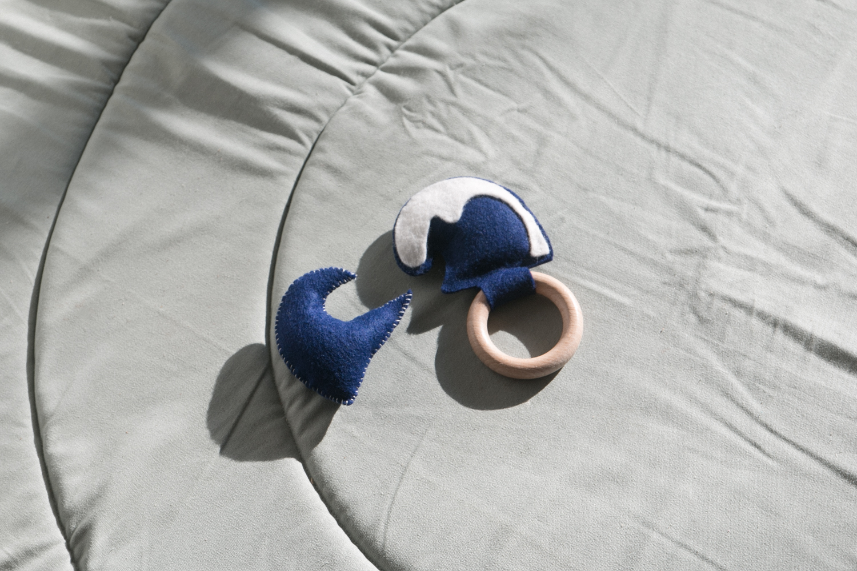 DIY Hochet et jouet en feutrine a fabriquer soi meme pour bébé-21