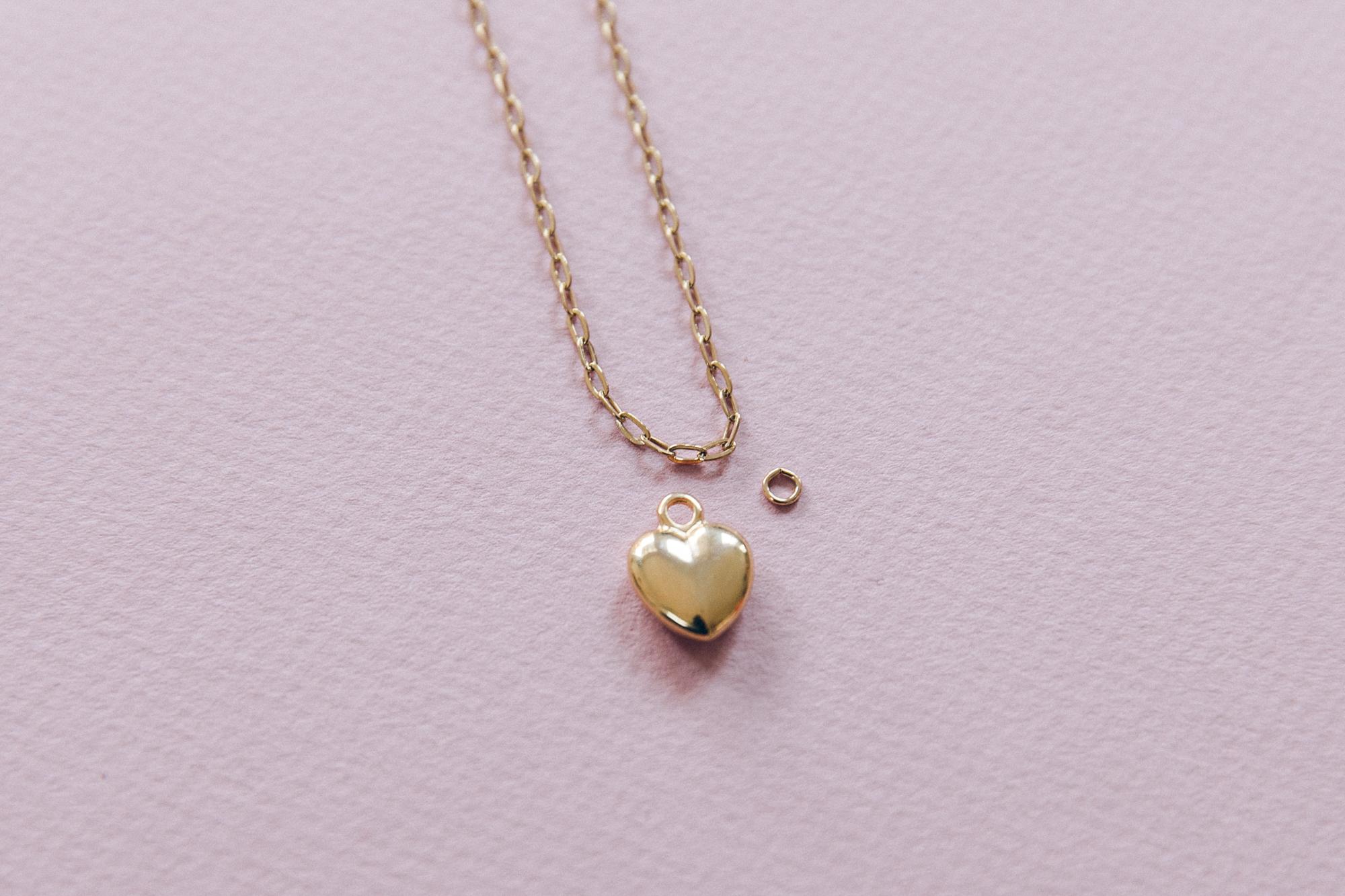 diy collier chaine maille et pendentif coeur doré-8