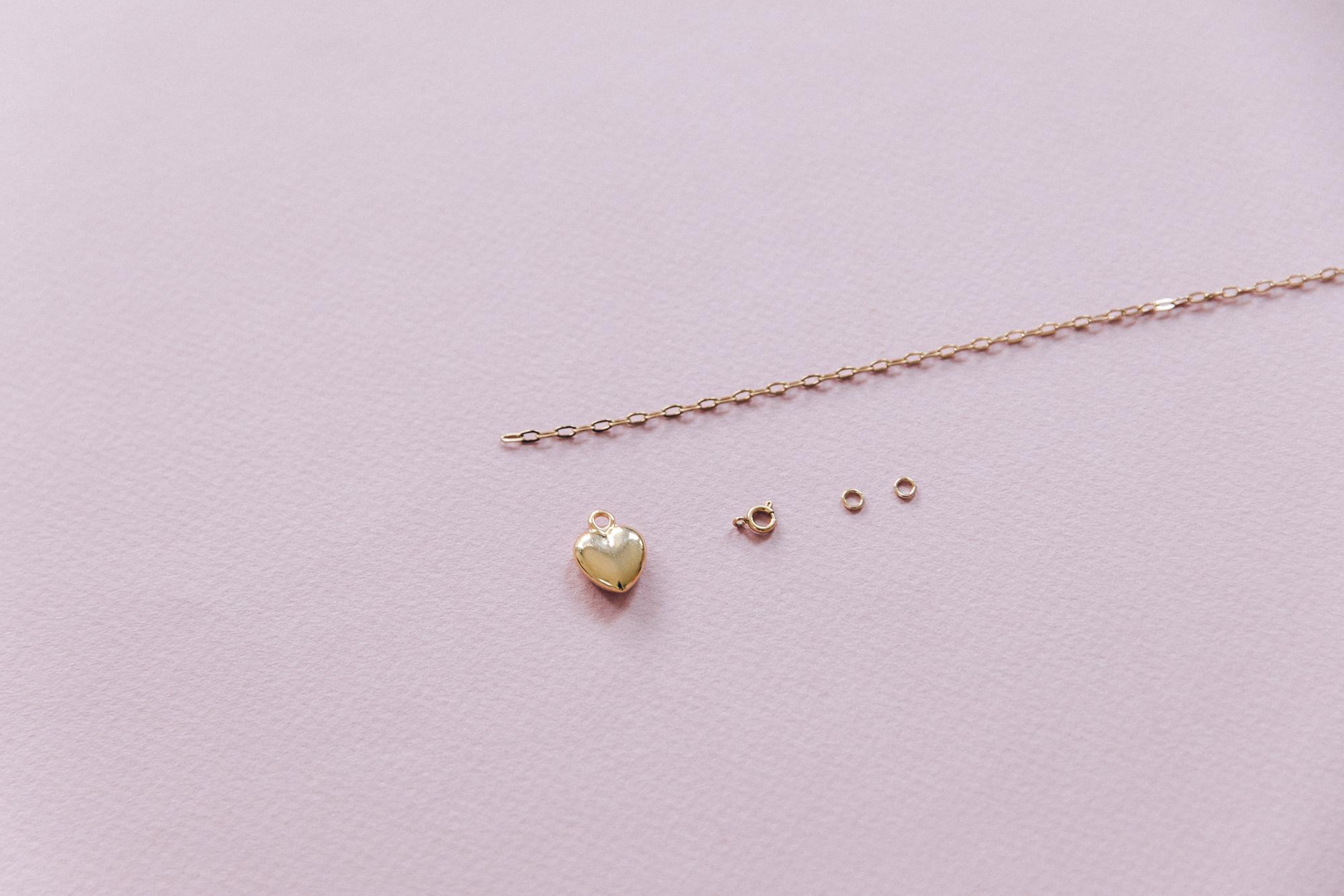 diy collier chaine maille et pendentif coeur doré